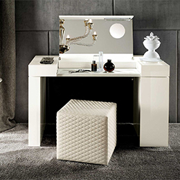 Mobile Tolette / Makeup vanity desks